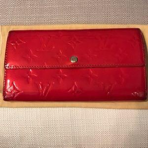 Louis Vuitton Accessories - Louis Vuitton Pomme D'amour Sarah Monogram Vernis